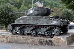 La Roche Engelse Ardennen - SEPTEMBER 20: De tank van de V.S. M4a1 Sherman die in de eer van de militairen van tweede, de 3de pan Stock Afbeelding