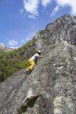 la roche s'élevante de noeuds ropes deux photographie stock