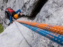 la roche s'élevante de noeuds ropes deux Photo libre de droits