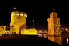 La Rochelle gate at night Royalty Free Stock Photos