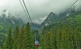 La Romania, cabina di funivia da Busteni fotografia stock