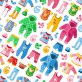 La ropa infantil estacional para el paño pueril infantil de la moda de niño de los niños vector el fondo inconsútil del modelo de libre illustration