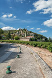 La Roque苏尔Cèze是加尔省部门的一个美丽如画的村庄,法国 图库摄影
