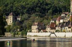 La Roque Gageac, uno di villaggi più bei della Francia, regione della Dordogna fotografia stock