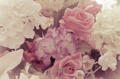 La rosa arancio e bianca artificiale fiorisce il mazzo Fotografia Stock Libera da Diritti