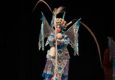 """La rotation de la dextérité des généraux de femmes de Pékin Opera"""" de main de  de € de Yang Familyâ Images libres de droits"""
