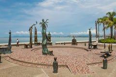 La rotonda delle sculture del mare in Puerto Vallarta in Mexic fotografie stock libere da diritti