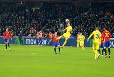 La Roumanie contre le match de l'Espagne avant l'euro 2016 Photos stock
