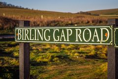 La route Birling de Gap à sept soeurs marchent dans le Sussex photo libre de droits