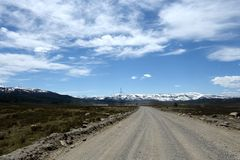 La route d'Ulagan à Aktash dans la République d'Altai La Sibérie occidentale images stock
