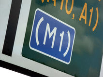 La route M1 signent dedans le R-U Photo libre de droits