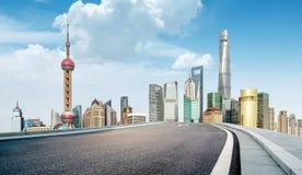 La route menant à de grandes villes Photographie stock libre de droits
