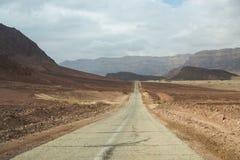 La route scénique dans le désert Photos stock