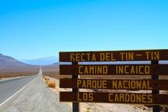 La route signent dedans l'Argentine Photo libre de droits