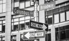 La rue de Broadway et de Columbus Circle appellent des signes, New York Photographie stock libre de droits