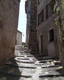 La rue de l'escalier en Provence Image libre de droits