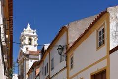 La rue et l'église dans le village Alter font Chao, Images stock
