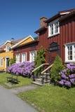 La rue résidentielle en bois colorée loge Bakklandet Trondheim Photo libre de droits