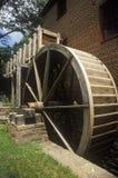 La rueda de agua en Colvin corre el molino del grano para moler, Fairfax, VA Imagenes de archivo