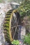 La rueda del molino de agua viejo Fotos de archivo
