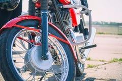 La rueda delantera de la motocicleta fotos de archivo