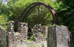 Molino de azúcar viejo cerca de Speyside, Trinidad y Tobago Imagenes de archivo