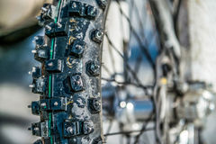 La ruota da un motociclo con la punta Fotografia Stock Libera da Diritti