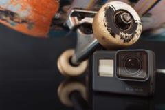 La ruota del pattino resta su GoPro Hero5 Fotografie Stock