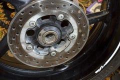 La ruota posteriore mette in mostra la bici Immagini Stock Libere da Diritti