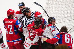La Russia contro il Canada. Campionato 2010 del mondo Immagini Stock