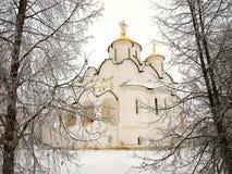 La Russia ortodossa. Cattedrale antica in un Pokrovskiy Immagine Stock Libera da Diritti
