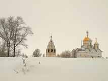 La Russia ortodossa. Cattedrale antica in un Pokrovskiy Fotografia Stock Libera da Diritti