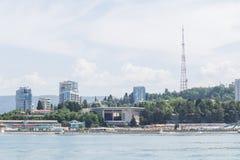 LA RUSSIA, SOCI - 28 MAGGIO 2018: Porto marittimo centrale di estate immagini stock libere da diritti