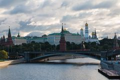La Russie, Moscou, 13, juillet 2015 : Vue de Kremlin du pont patriarcal photographie stock