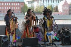 La Russie, Moscou, peut 9, 2015, Indiens jouant des instruments de musique, hippies, éditoriales Image libre de droits