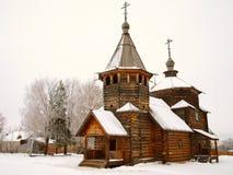 La Russie orthodoxe. Église en bois antique Image stock