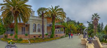 LA RUSSIE, SOTCHI, LE 1ER MAI 2015 : Parc d'arborétum - Maison-musée, ` de Nadezhda de ` de villa Sotchi, Russie le 1er mai 2015 Images stock