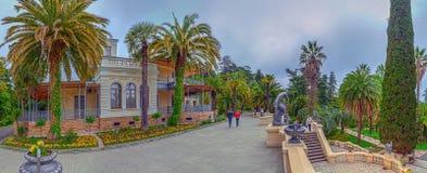 LA RUSSIE, SOTCHI, LE 1ER MAI 2015 : Parc d'arborétum - Maison-musée, ` de Nadezhda de ` de villa Arborétum de parc de Sotchi, la Photos stock