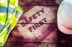La sécurité se connectent d'abord le fond en bois Images libres de droits