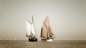 La sépia a modifié la tonalité les bateaux traditionnels Photo libre de droits