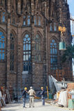 La Sagrada Familia建筑工作 库存照片