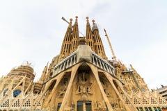 La Sagrada Familia - den mäktiga domkyrkan som planläggs av arkitekten Gaudi, som är byggande efter mars 19, 1882 och är inte fi Royaltyfri Foto