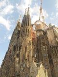 La Sagrada Familia e le nuvole fotografia stock libera da diritti