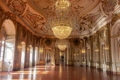 La sala da ballo del palazzo del cittadino di Queluz immagini stock