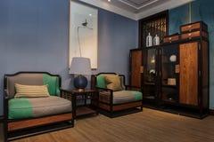 La sala de estar de familias chinas modernas imagenes de archivo