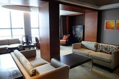 La sala de una habitación de hotel de lujo Foto de archivo
