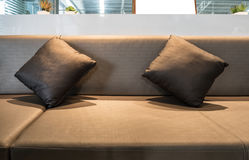 La sala di ricreazione interna di lusso decora i cuscini Fotografia Stock Libera da Diritti