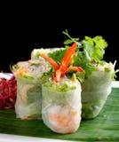 La salade vietnamienne roule avec des crevettes Images stock