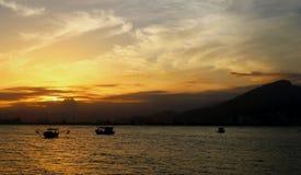 La salida del sol de oro fotos de archivo libres de regalías