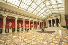 La salle de conférences avec la sculpture antique s'est rassemblée par Carl Jacobsen Images stock